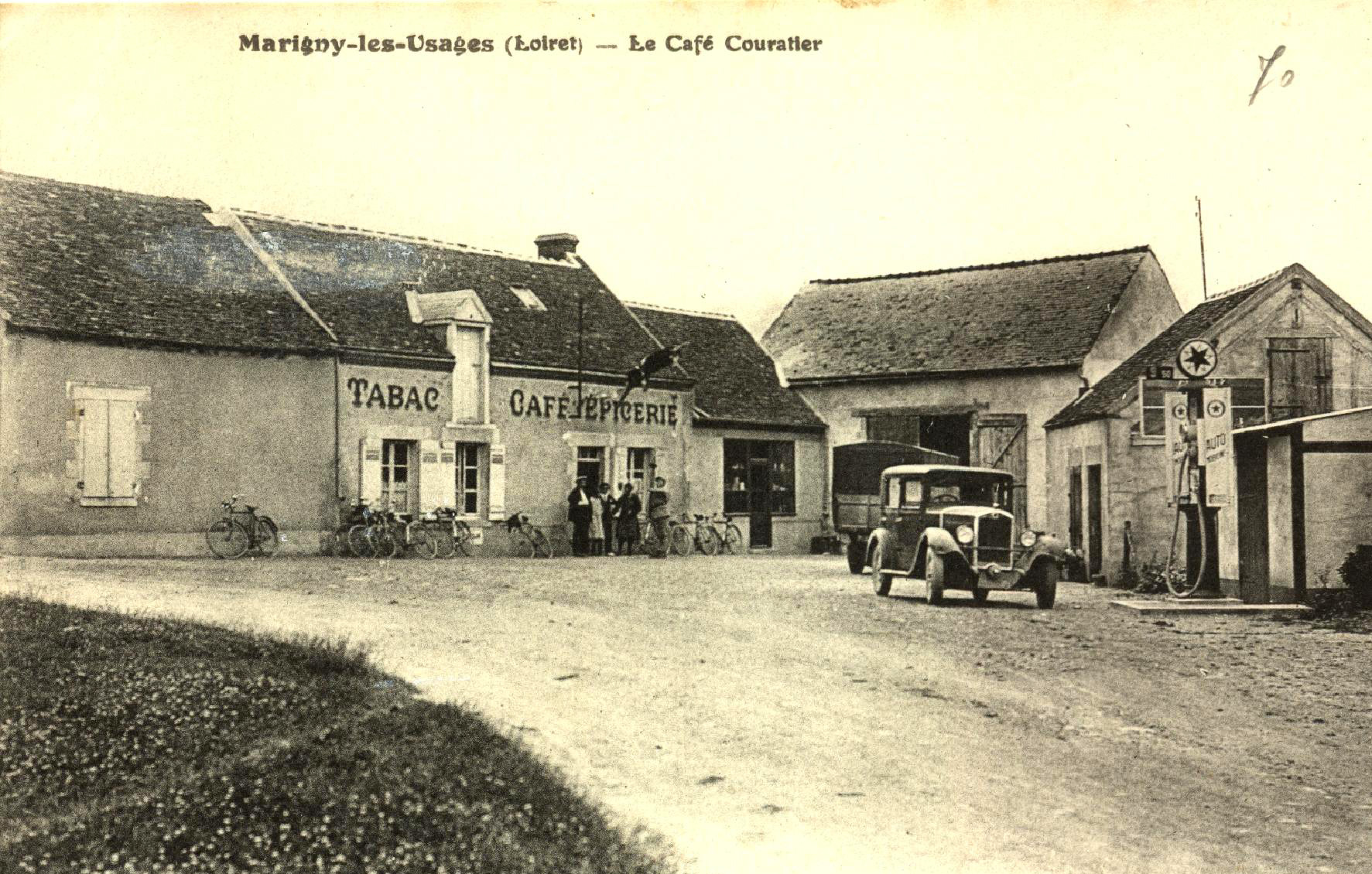 Marigny les Usages Cafe Couratier